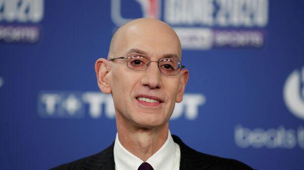 Комиссионер НБА Адам Сильвер
