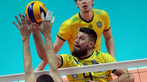 Волейболист Дмитрий Леонтьев