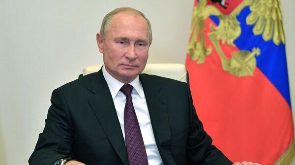 Президент РФ В. Путин провел встречу с В. Васильевым и С. Меликовым