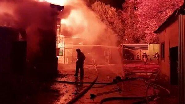 Кадры тушения пожара в пензенском ресторане Засека