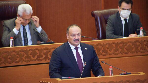 Врио главы Дагестана Сергей Меликов в зале заседаний Народного Собрания Республики Дагестан в Махачкале