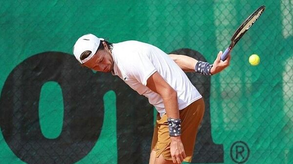 Российский теннисист Евгений Карловский.