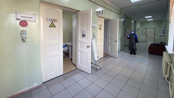 Коридор ковидного моногоспиталя, организованного на базе Областной клинической больницы № 1 в Тюмени