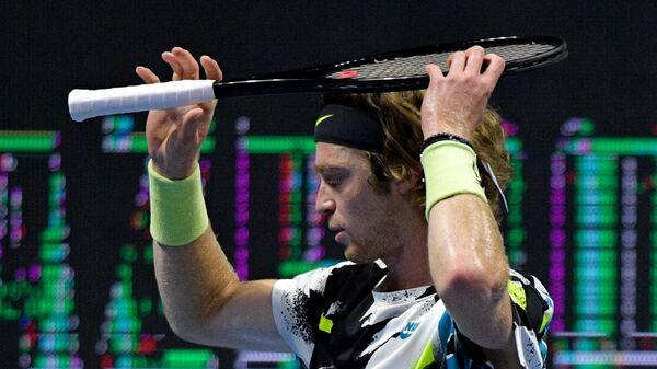 Андрей Рублев (Россия) в матче одиночного разряда среди мужчин против Вашека Поспишила (Канада) на теннисном турнире St. Petersburg Open 2020 в Санкт-Петербурге.