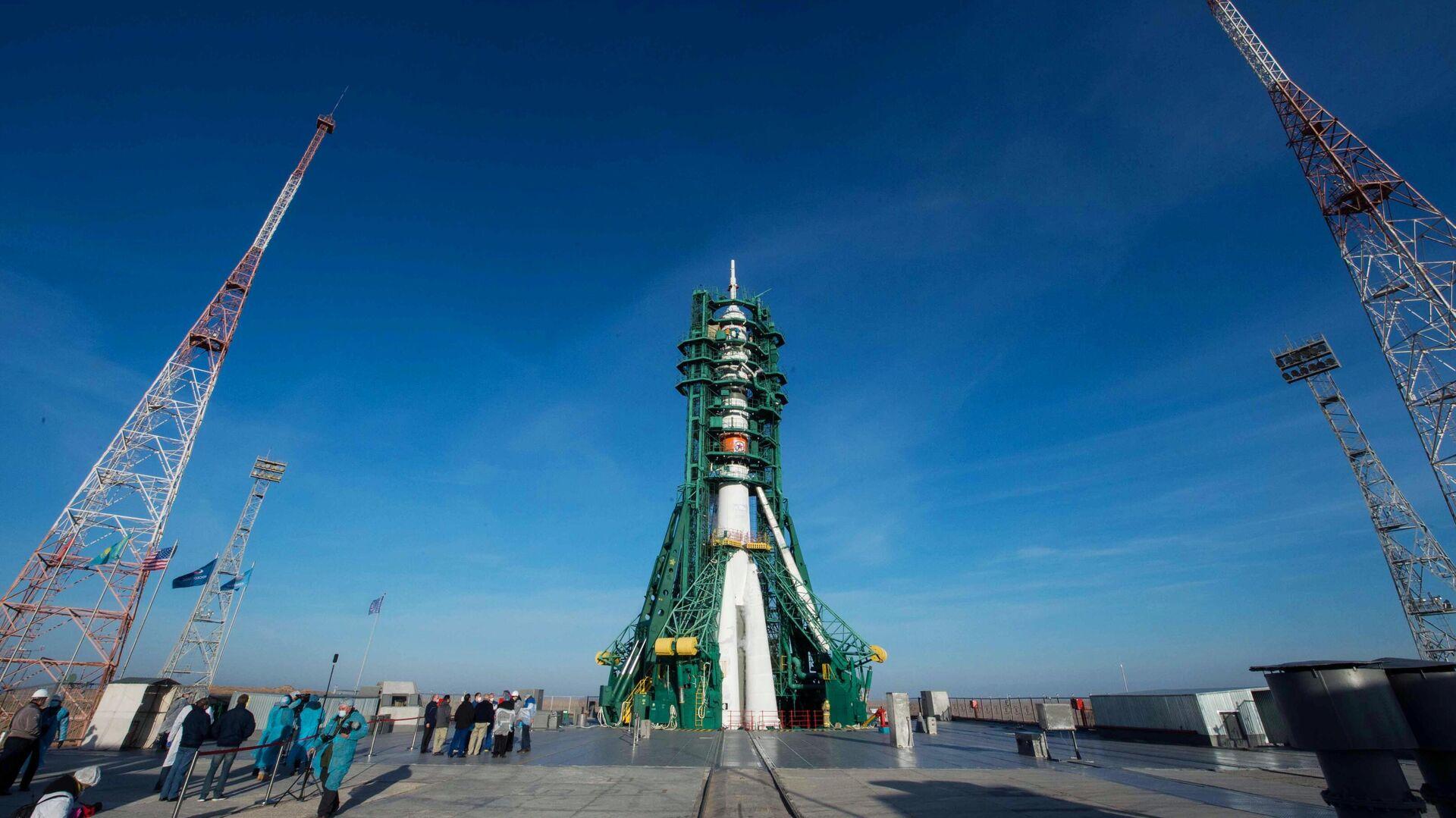 "Космический турист предпочел ""Союз"" кораблю Маска из-за надежности техники"