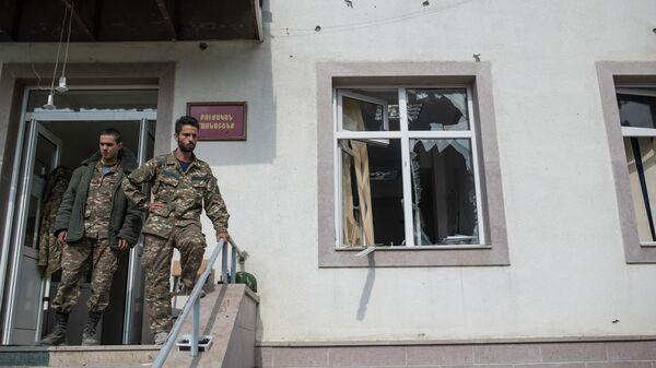 Госпиталь в Мартакерте, разрушенный в результате обстрела
