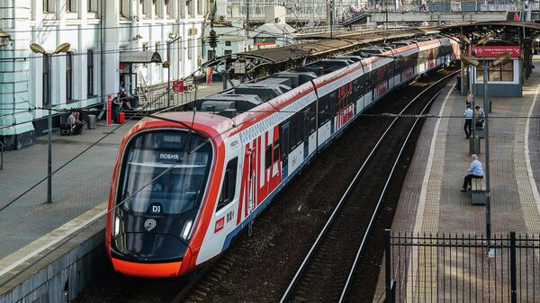 Электропоезд Иволга на станции МЦД