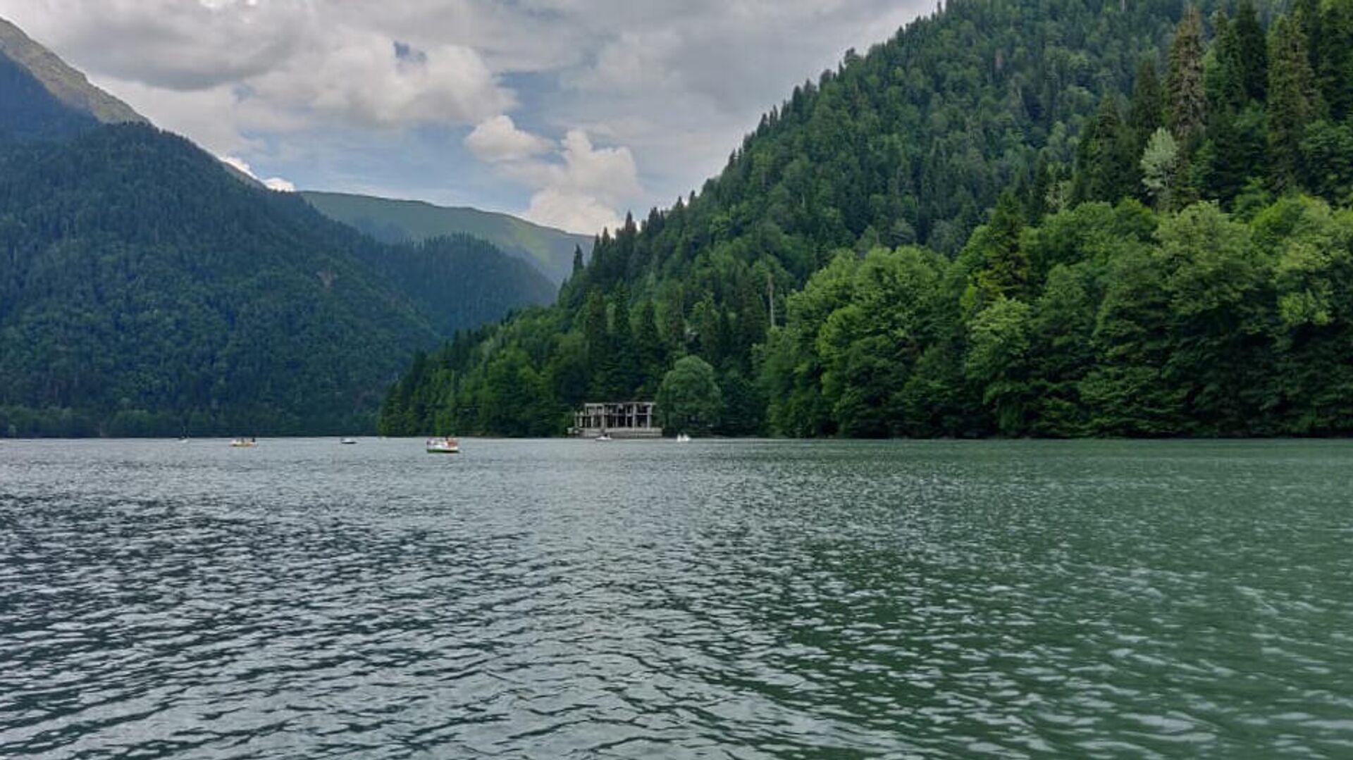 В Абхазии спасли заблудившегося в горах россиянина