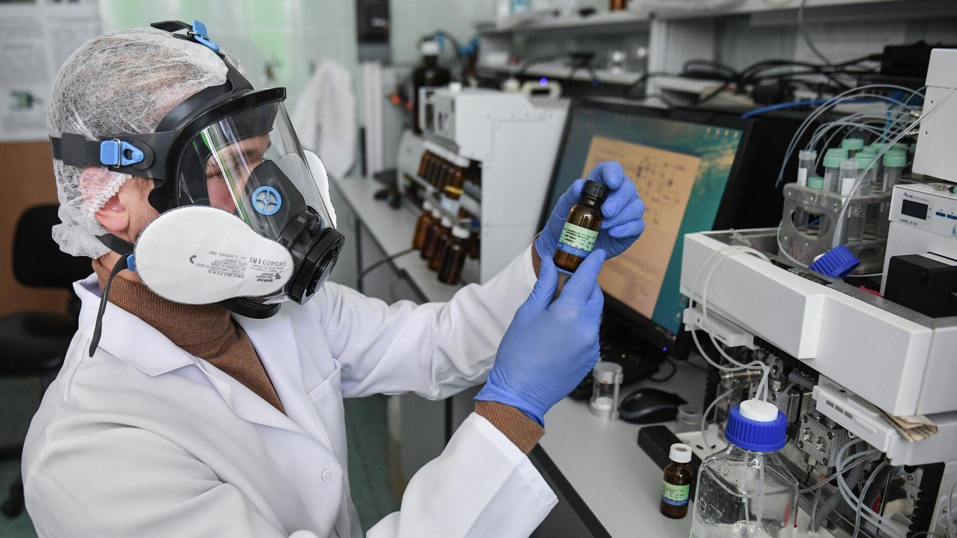 Учёные Крымского федерального университета разработали новую вакцину от коронавируса - РИА Новости, 1920, 17.10.2020