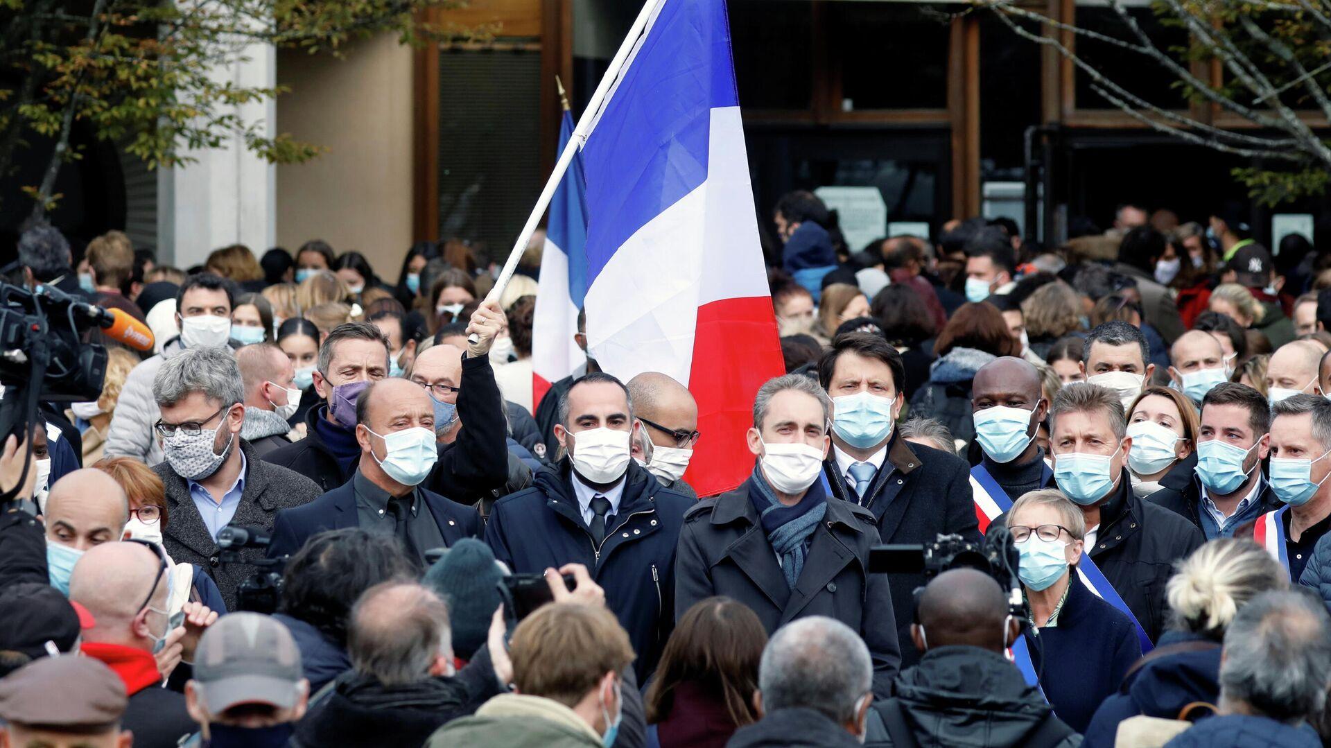 Мэра города во Франции угрожают обезглавить за борьбу с преступностью