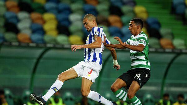 Игровой момент матча Спортинг - Порту