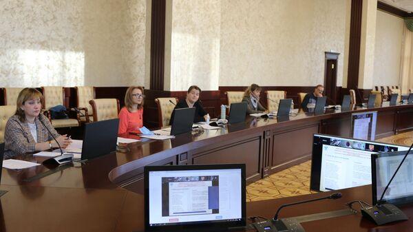 Круглый стол Особенности образовательной политики и внеучебной работы современного вуза