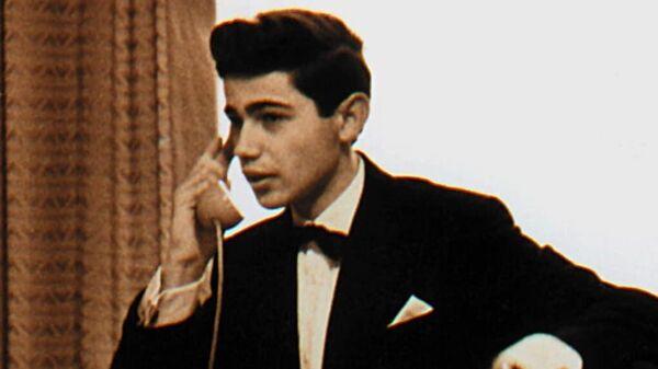 Евгений Петросян на гастролях в Ленинграде в 1964 году