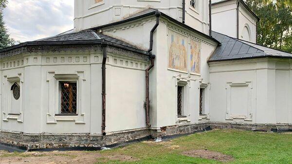 Храм Ризоположения Пресвятой Богородицы в Москве