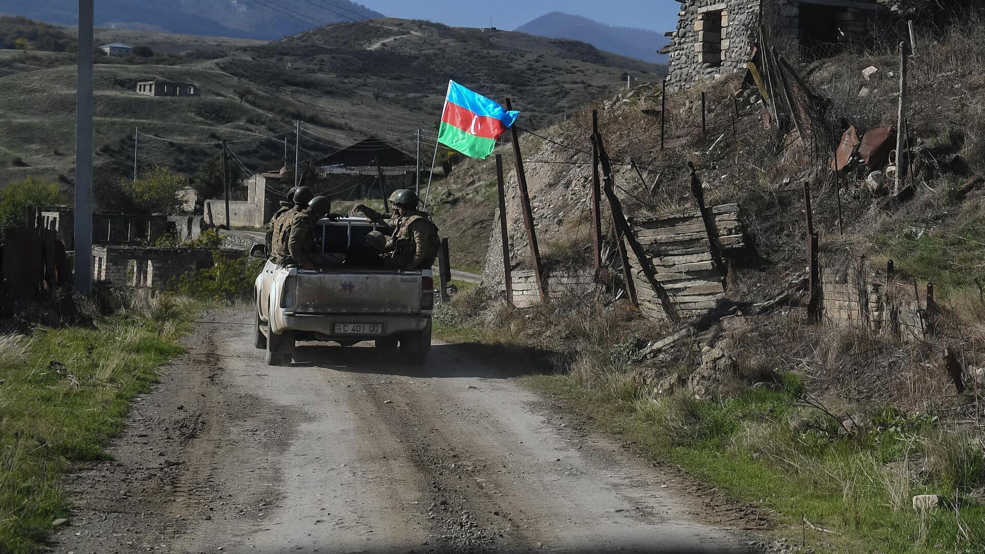 Военнослужащие азербайджанской армии на территории села Талыш - РИА Новости, 1920, 24.10.2020
