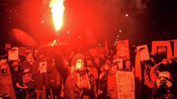 Участники акции протеста, получившей название черная суббота, против ужесточения законодательства об абортах в Польше
