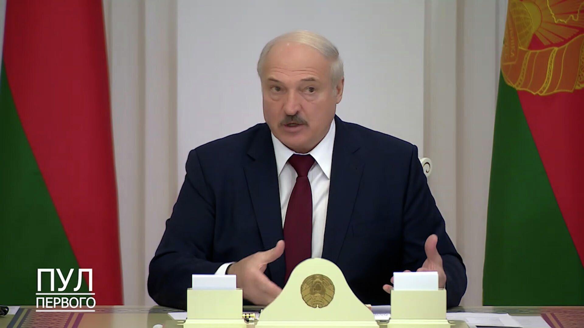 Уберите детей с улиц, чтобы потом не было больно - Лукашенко пригрозил родителям студентов - РИА Новости, 1920, 27.10.2020