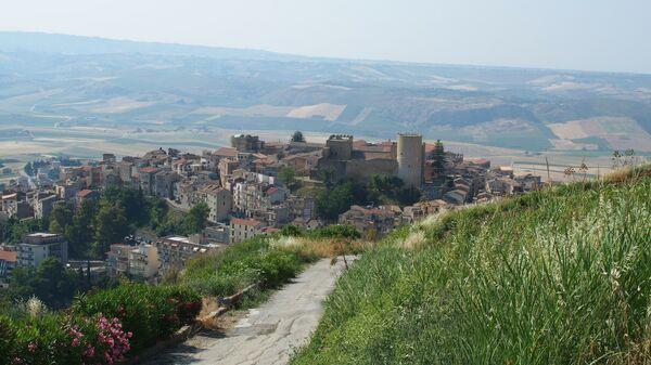 Город Салеми на острове Сицилия, Италия