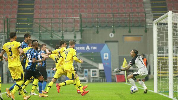 Игровой момент матча Интер - Парма