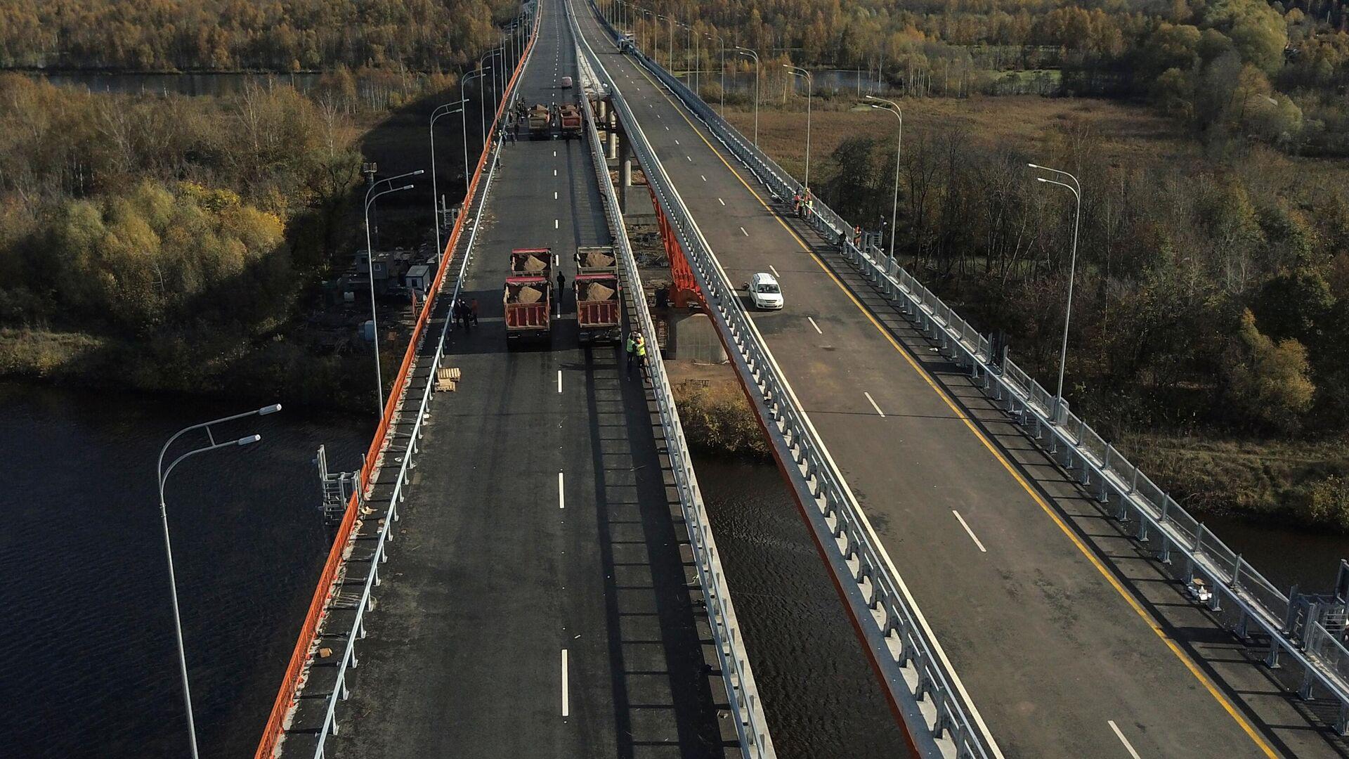 Демонстрация испытаний крупных мостов на прочность на ЦКАД-3 - РИА Новости, 1920, 24.12.2020