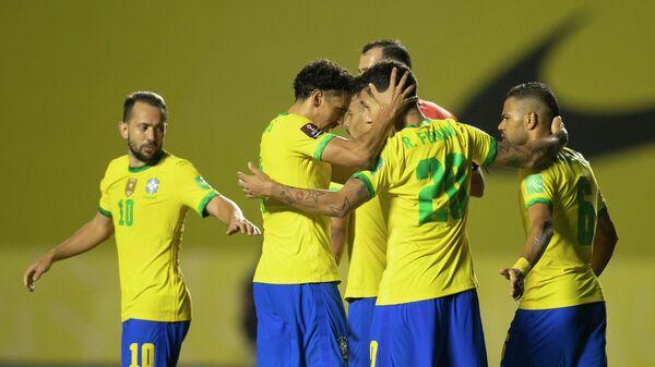 Футболисты сборной Бразилии в отборочном матче чемпионата мира 2022 года