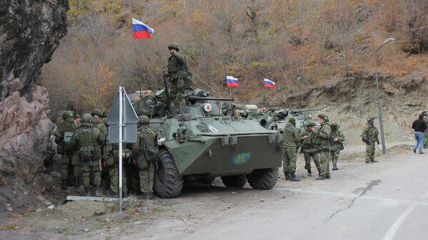 Российские миротворцы обеспечивают безопасность монастыря Дадиванк в Кельбаджарском районе Нагорного Карабаха