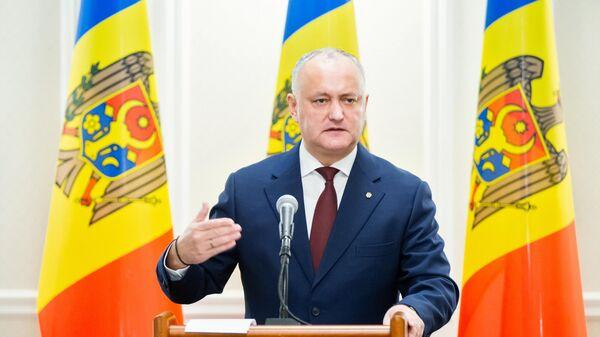 Действующий президент Молдавии Игорь Додон на брифинге после еженедельной встречи с премьером и председателем парламента