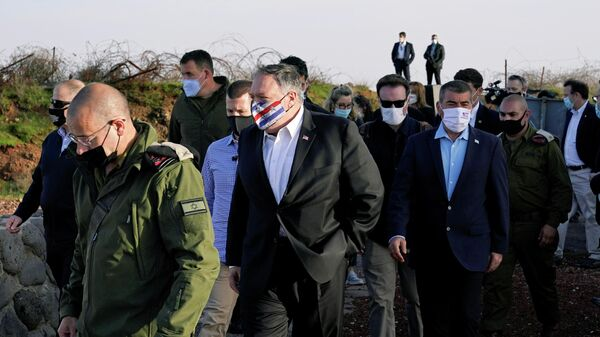 Госсекретарь США Майк Помпео во время посещения Голанских высот