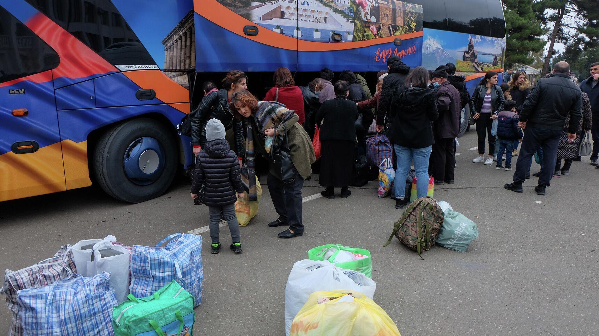 В Нагорный Карабах за сутки вернулись более 480 беженцев