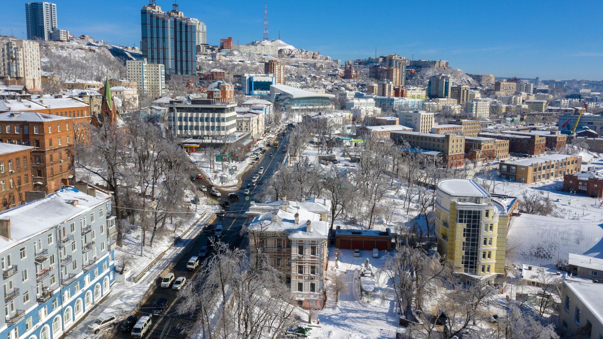 Во Владивостоке управляющим компаниям выписали штрафы за неубранный снег