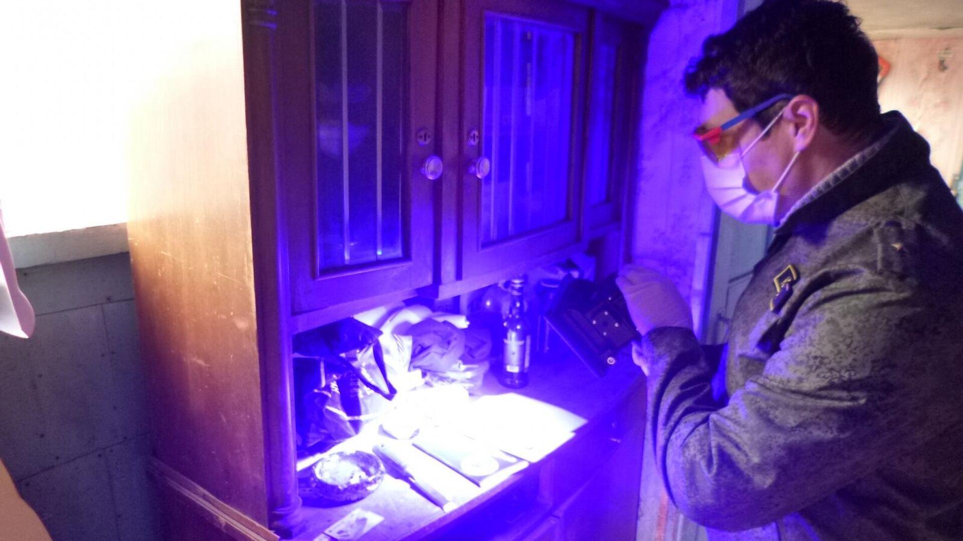 Следственные действия на месте убийства 6-летнего мальчика в городе Энгельсе - РИА Новости, 1920, 21.11.2020
