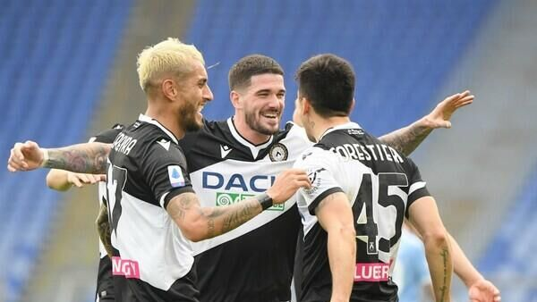 Футболисты Удинезе в матче чемпионата Италии