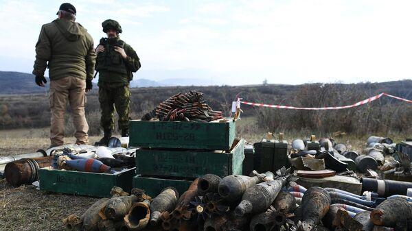 Разминирование жилого сектора в Степанакерте и его окрестностях