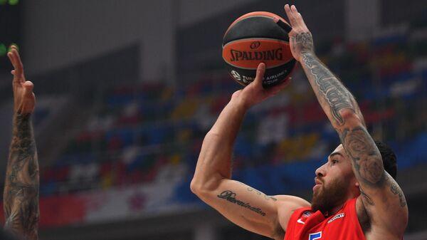 Игрок ЦСКА Майк Джеймс в матче 11-го тура регулярного чемпионата мужской баскетбольной Евролиги сезона 2020/2021 между ПБК ЦСКА (Москва, Россия) и БК Реал (Мадрид, Испания).