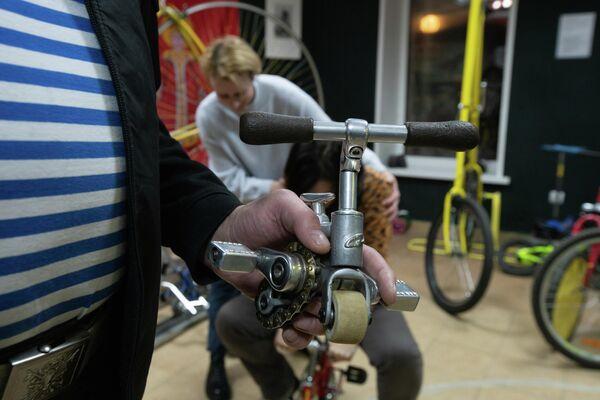Самый маленький велосипед в мире. Арсенал Необычных Велосипедов Самокат в Угличе