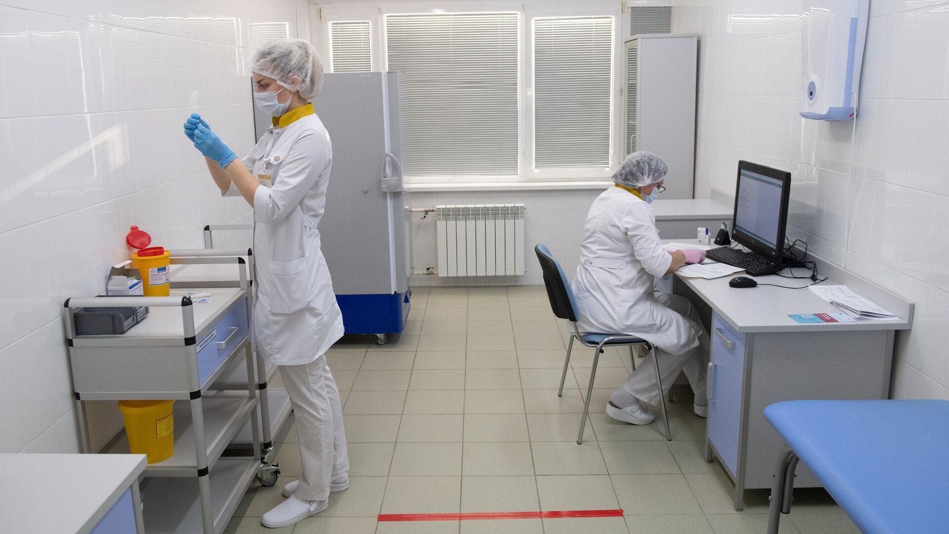 Инфекционист предположила, когда россияне вернутся к привычной жизни
