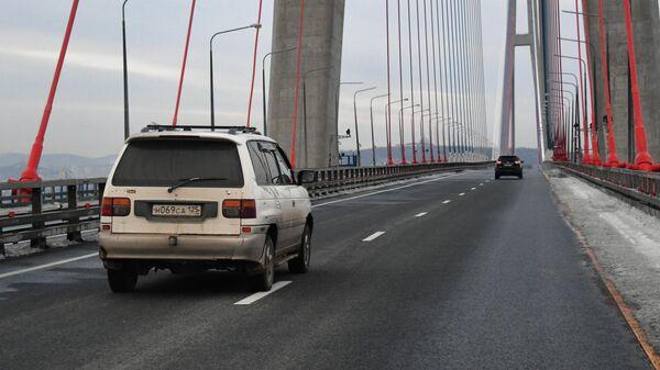 Возобновление автомобильного движения по Золотому мосту во Владивостоке