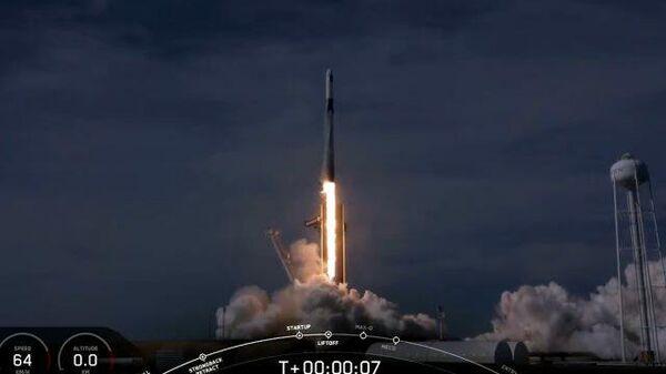 Запуск грузового корабля Dragon к МКС