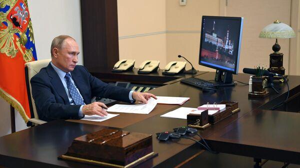 Президент РФ Владимир Путин проводит совещание о параметрах финансового плана и инвестиционной программы ОАО РЖД