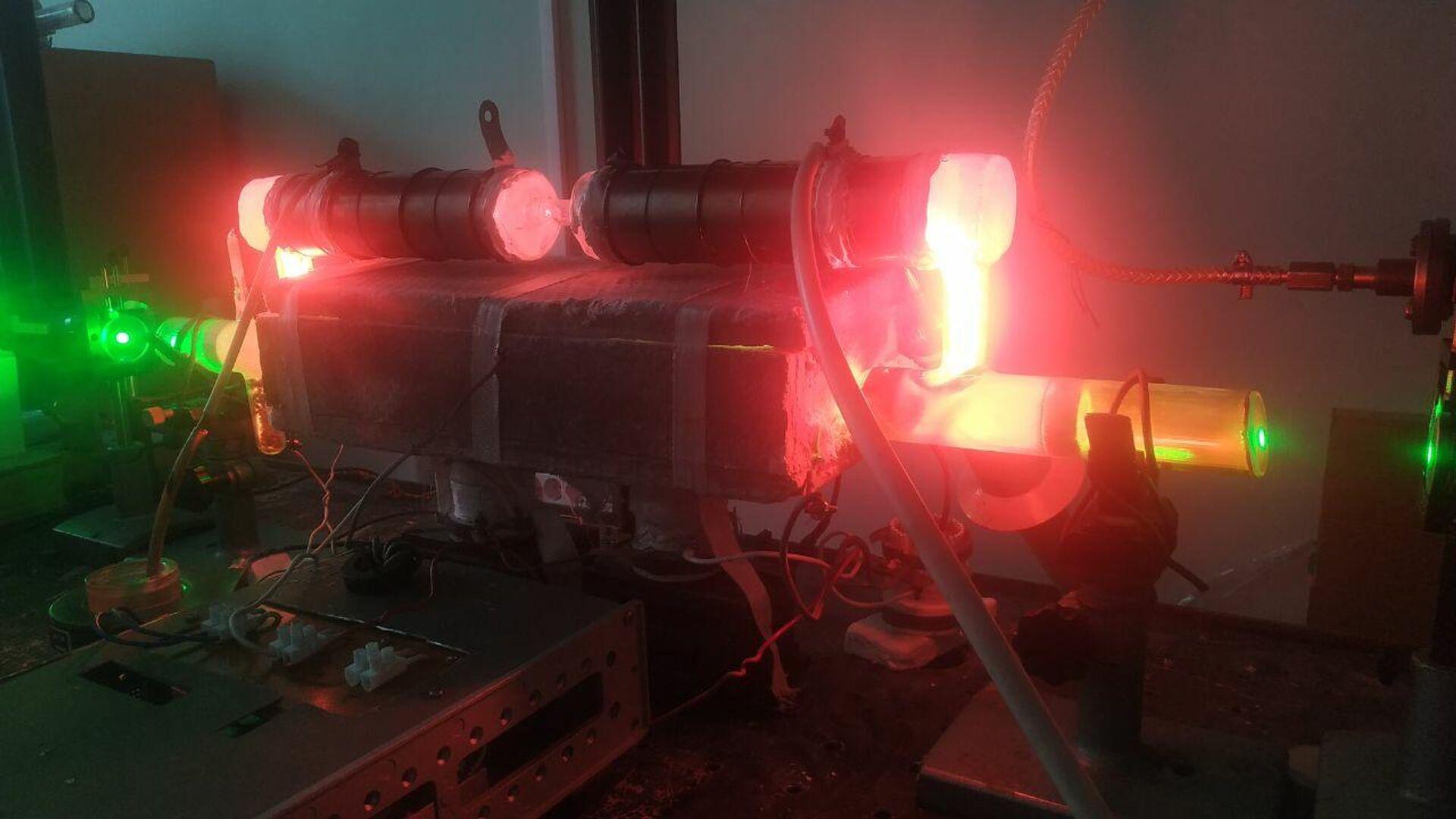 Высокочастотный усилитель оптических сигналов, разработанный учеными - РИА Новости, 1920, 09.12.2020