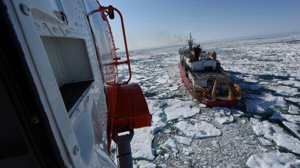 Ледокол береговой охраны США Хили