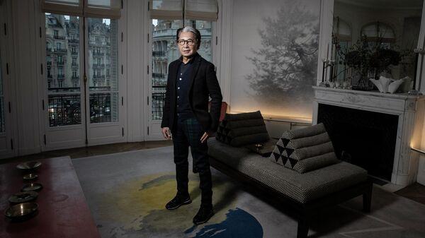 Японский модельер Кендзо Такада у себя дома в Париже