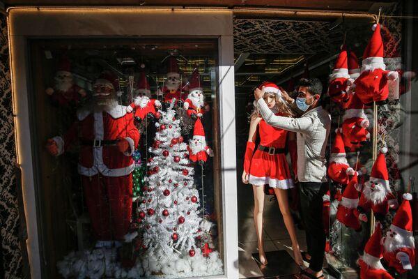 Витрина магазина в Секторе Газа