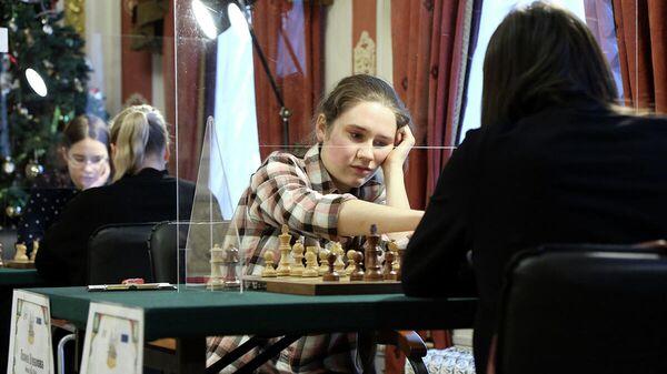 Шахматистка Полина Шувалова (Россия)