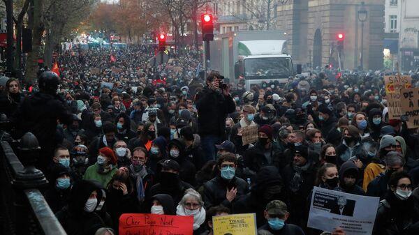 Акция против 24-й статьи законопроекта О глобальной безопасности в Париже, Франция