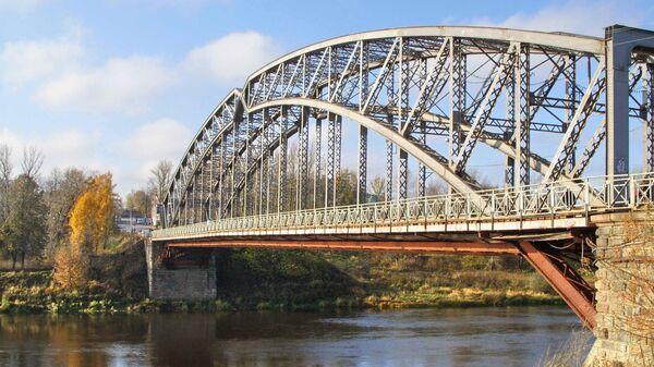 Пешеходный мост в Боровичи