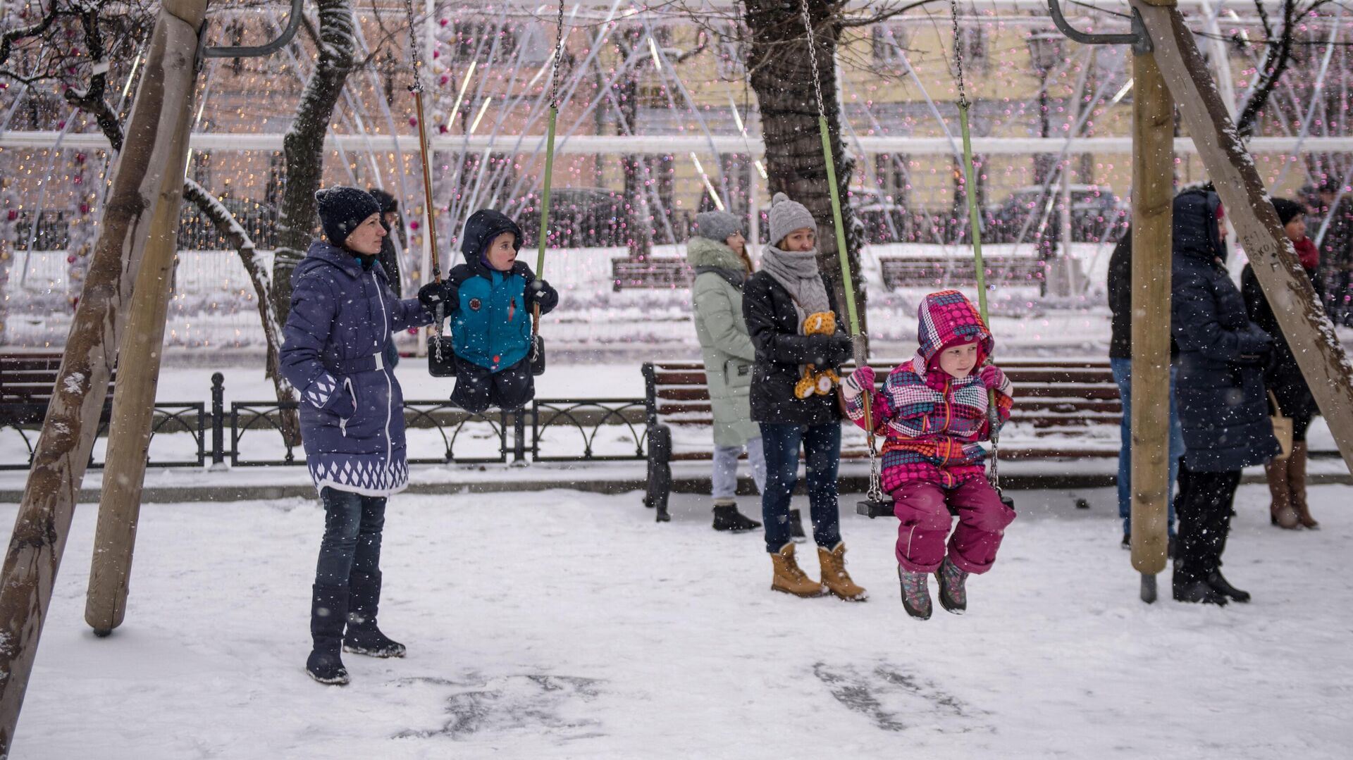 Дети с родителями - РИА Новости, 1920, 01.03.2021