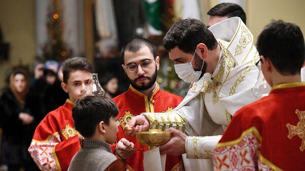 Празднование Рождества Христова в римско-католическом кафедральном соборе Непорочного Зачатия Пресвятой Девы Марии в Москве