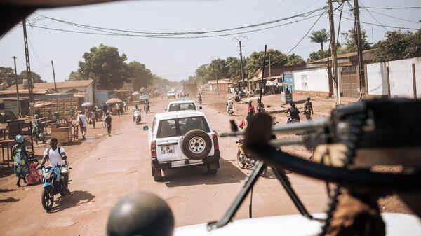 Колонгна миротворцев многопрофильной комплексной миссии ООН по стабилизации в ЦАР  в городе Банги, столице Центральноафриканской Республики