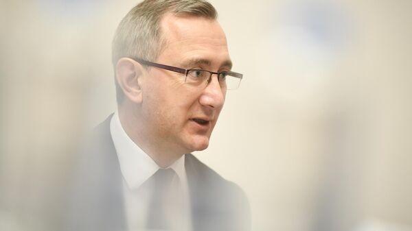 Губернатор Калужской области Владислав Шапша во время интервью РИАНовости
